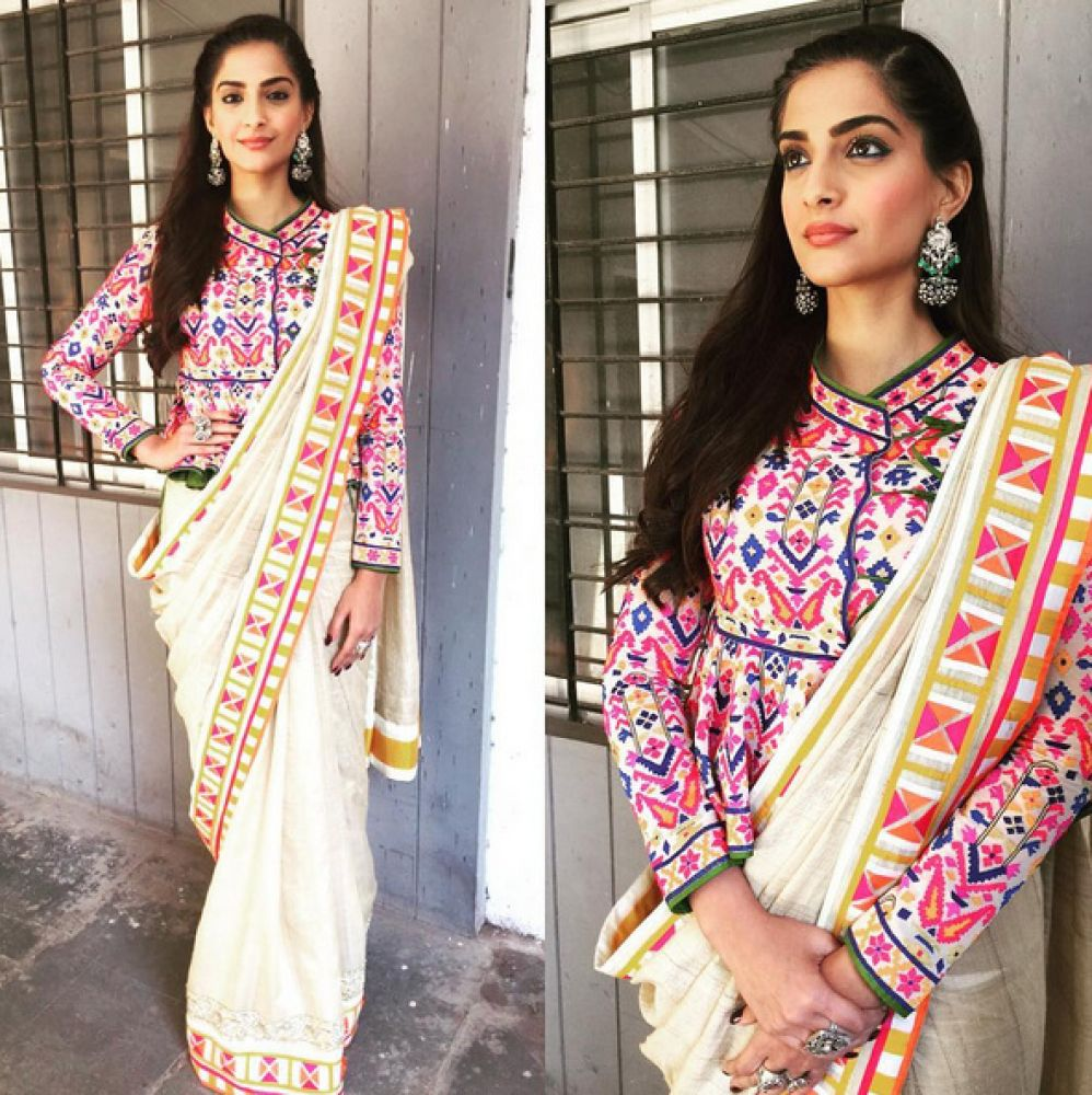 Dressed in Abu Jani Sandeep Khosla attire, the actress looked graceful.