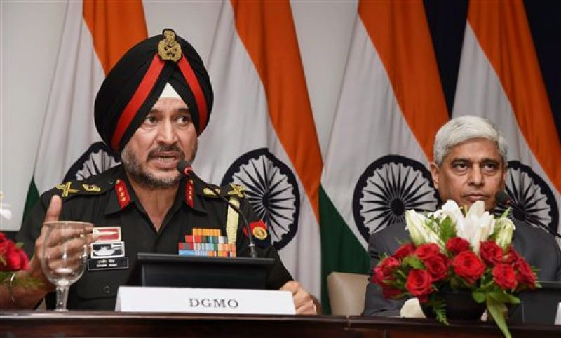 Director General Military Operations (DGMO), Ranbir Singh salutes after the Press Conferences along with External Affairs Spokesperson Vikas Swarup. (Photo: PTI)