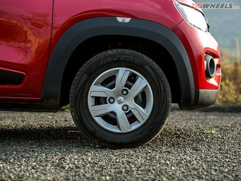 The black cladding on the Kwid's wheel arches enhances it's SUV-like appearance.