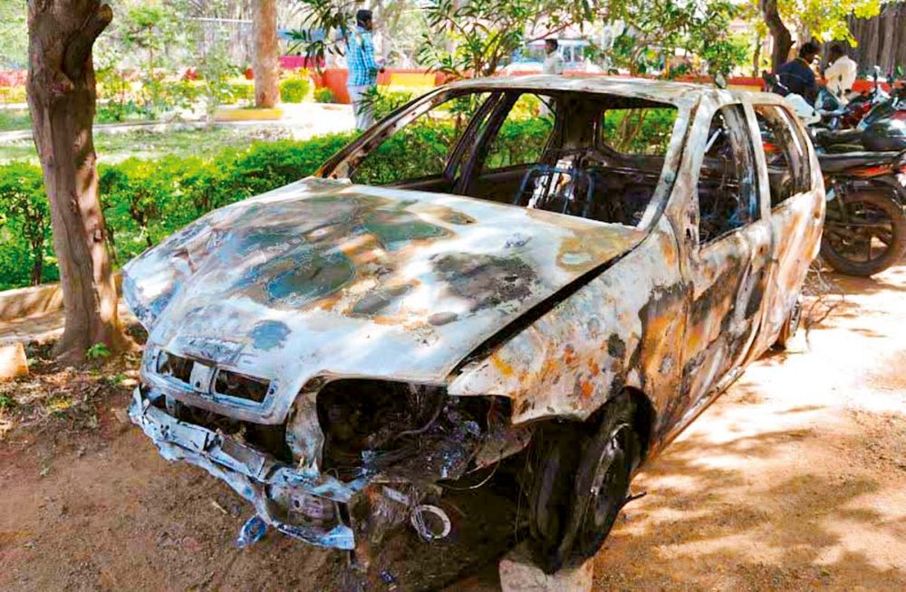The car that was being driven by a Sudanese student that mowed down a woman in Hesaraghatta on Sunday night (Photo: DC)