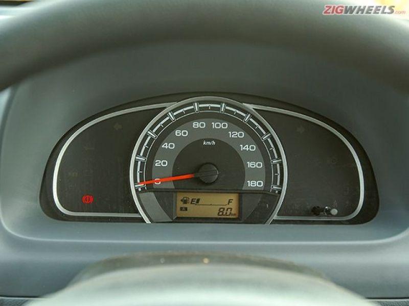 Large speedometer dominates the Alto's fascia.