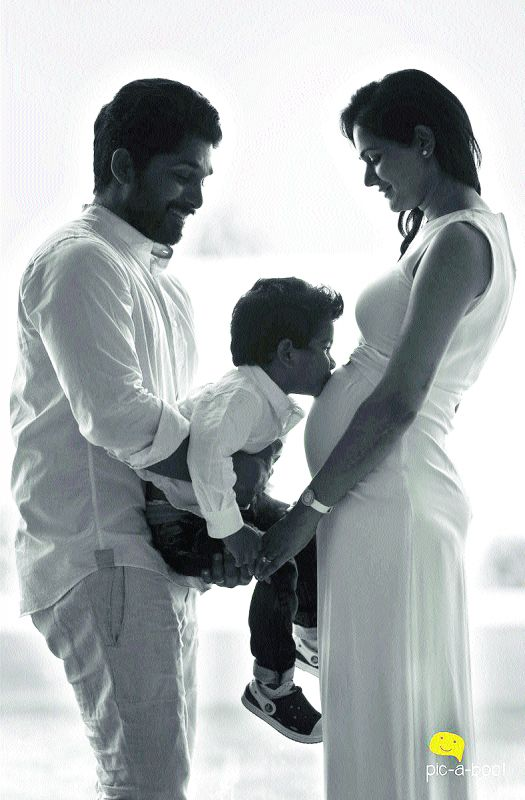 The photo that Allu Arjun and wife Sneha posted on social media websites
