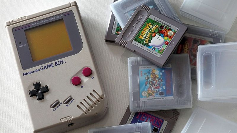 Nintendo would have been a big name in the game console market if it had not turned down Sony in its early days. Sony and Nintendo were working together on a modification for the SNES, but proceeded with Philips to work on CD-i.