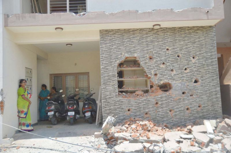 Demolition drive: Koliwad committee to recommend dismissal of BBMP officials