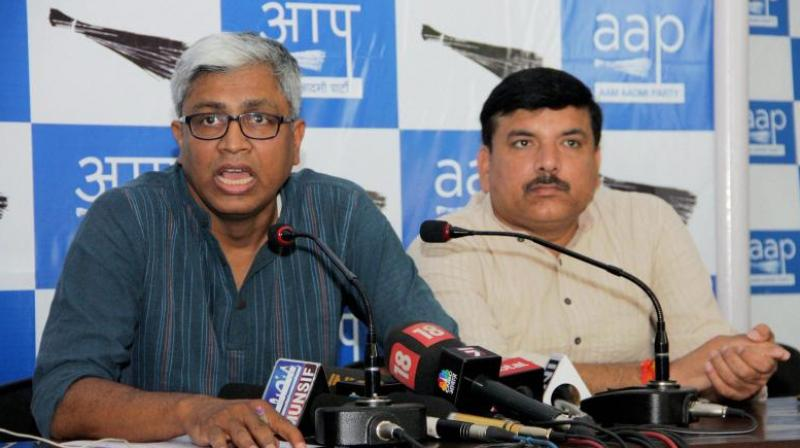 AAP leader Ashutosh slams action on him, questions media