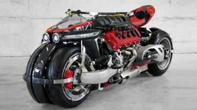 Lazareth seems to be a sick man! Not really, but if you see this build, you will feel the same too. Though this bike is a sick experiment, it is a violent machine. However, bike lovers will simple awe his experiment. This LM847 has been built with a Maserati engine that has 32 valves and used mainly in sports cars.