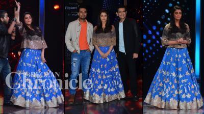 Aishwarya Rai Bachchan, Randeep Hooda and director Omung Kumar headed to the sets of popular talent show 'Sa Re Ga Ma' to promote their upcomig film 'Sarbjit'. Photo: Viral Bhayani