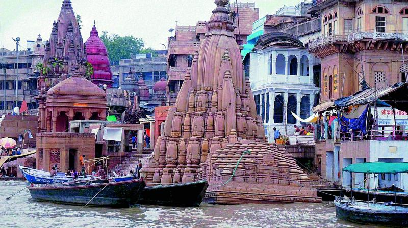The Manikarnika Ghat is also known as a place where the flames of pyres never get