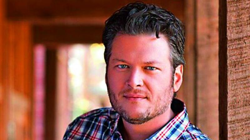 Judge rejects tabloid's motion to dismiss Blake Shelton suit