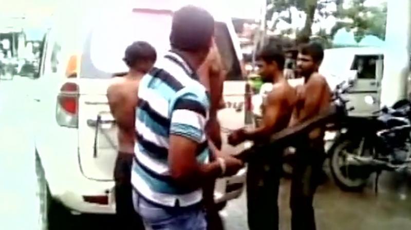 Cow Vigilantes Strip, Thrash Suspected Smugglers Of Cow Leather In Gujarat