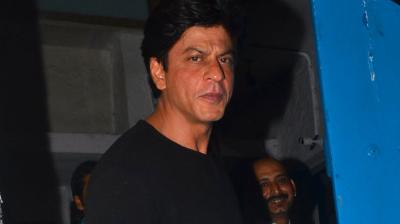 Shah Rukh Khan, who recently flew back home after an enjoyable holiday in London with the family, was spotted dining out with friends. Photo: Viral Bhayani
