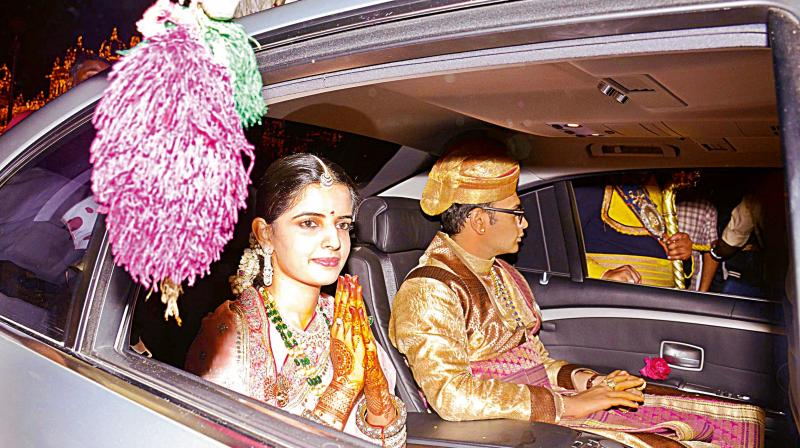 Mysureans Brave Cold To See Newly Wed Royals