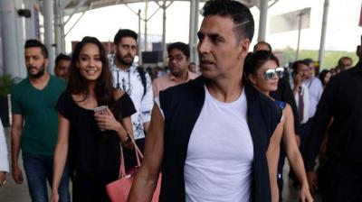 Akshay Kumar and his co-stars Jacqueline, Lisa, Riteish and Abhishek, picked Delhi as the first stop of their multi-city 'Housefull3' promotional tour. Photo: Viral Bhayani