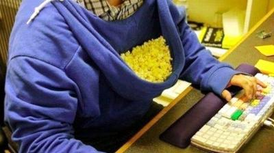 When you dont have the time, or simply lazy, these 12 lifehacks will come to your rescue. Lets start with being lazy - wear that hooded sweatshirt backwards to store your junk food while you work into the wee hours.