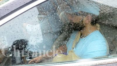 Saif Ali Khan was discharged from a private hospital in Mumbai city, after undergoing treatment for his injured left hand. Photo: Viral Bhayani