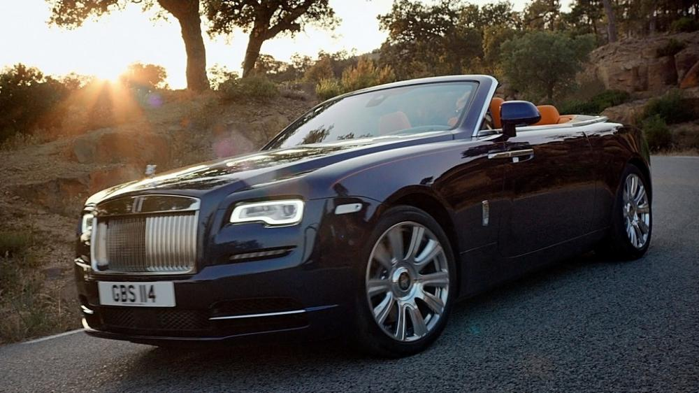 Rolls-Royce has announced the 'Dawn' to the luxury convertibles portfolio of Indian cars, Rolls-Royce has joined the game with a price tag of Rs 6.25 crore..