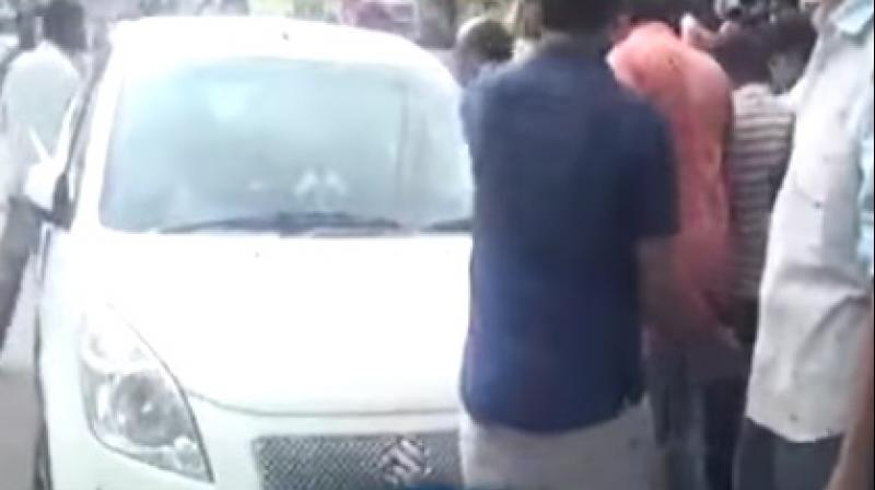 Hyderabad Cops come to the rescue of two-year-old locked in vehicle
