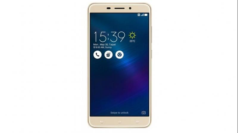 Available in two colours, namely Glacier Silver and Sand Gold, the Zenfone 3 Laser comes at a starting price of Rs 18,999.