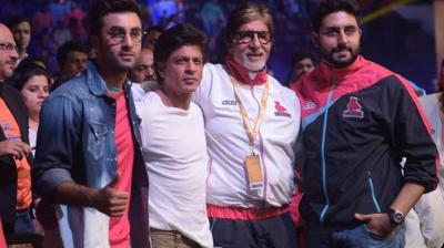 Bollywood heavyweights Shah Rukh Khan, Amitabh Bachchan and Ranbir Kapoor came out to chree for Abhishek Bachchan's Jaipur Pink Panthersteam team on day-1 of the Pro Kabaddi league. Photo: Viral Bhayani/ Twitter