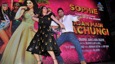 Varun Dhawan launched Sophie Choudry's brand new single, 'Bachelorette Party'. (Pic: Viral Bhayani)