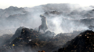 A fire at Deonar dumping ground two days ago has led Brihanmumbai Municipal Corporation (BMC) to shut down 74 schools run by it for two days. (Photo: Deccan Chronicle)