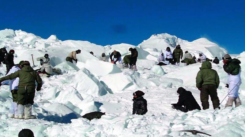Indian soldier dies after rescue from avalanche in Kashmir