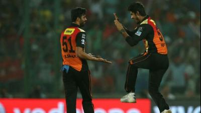 Barinder Sran (L) in action during the IPL match between Sunrisers Hyderabad and Kolkata Knight Riders in New Delhi on Wednesday. (Photo: BCCI)