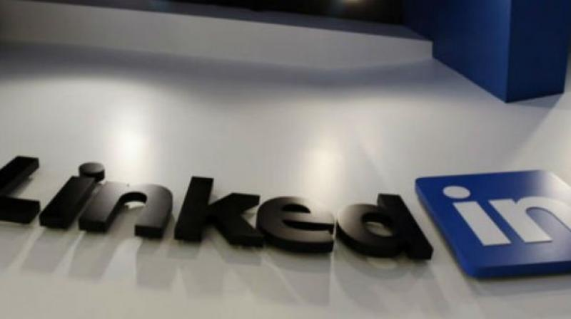 LinkedIn launches lite mobile website to boost user base