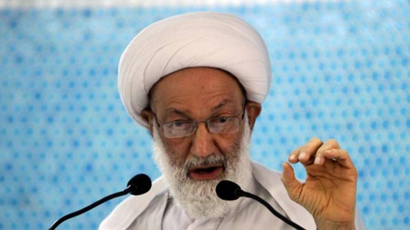 Bahrain revokes citizenship of top Shiite cleric