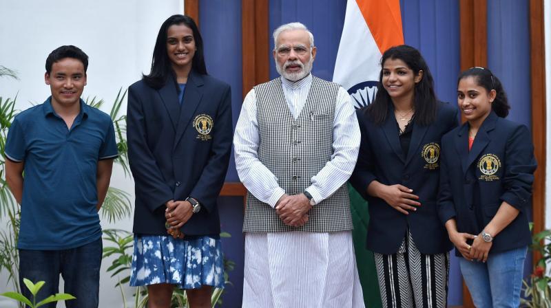 PM Modi with the Khel Ratna awardees. (From left) Jitu Rai, PV Sindhu, Sakshi Malik and Dipa Karmakar. (Photo: File)