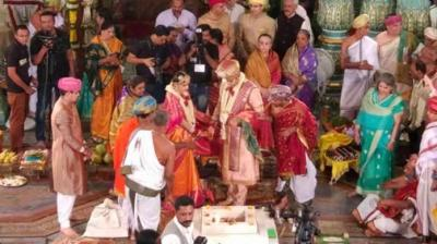 The titular Maharaja of Mysuru, Yaduveer Krishnadatta Chamaraja Wadiyar on Monday, tied the knot with Trishika Kumari Singh of the Dungarpur royal family in a traditional ceremony.