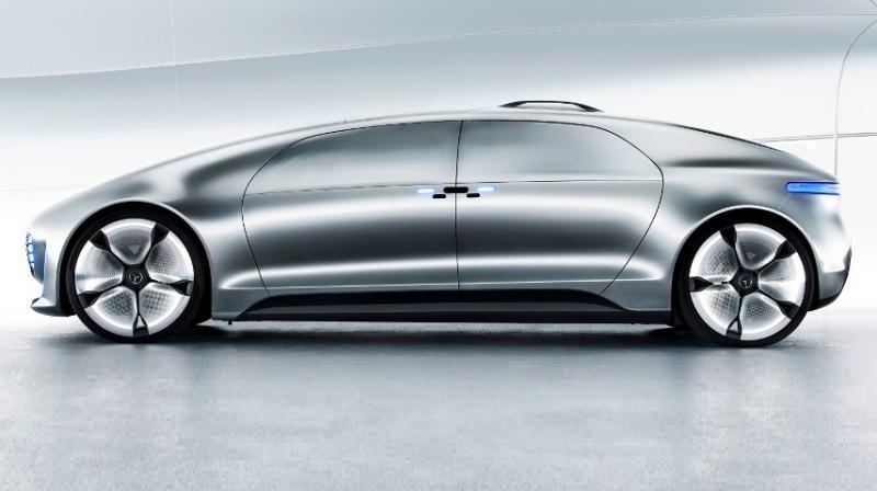 Watch mercedes benz shows off its luxury autonomous car for Mercedes benz autonomous driving