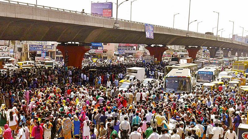 Bengaluru garment factory workers' protest against EPF scheme amendments turns violent