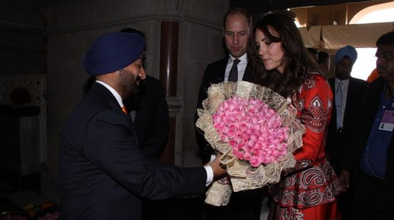 Prince William, wife arrive in Mumbai
