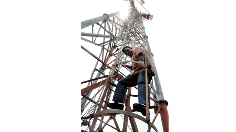 Govt notifies uniform rules for faster telecom network rollout