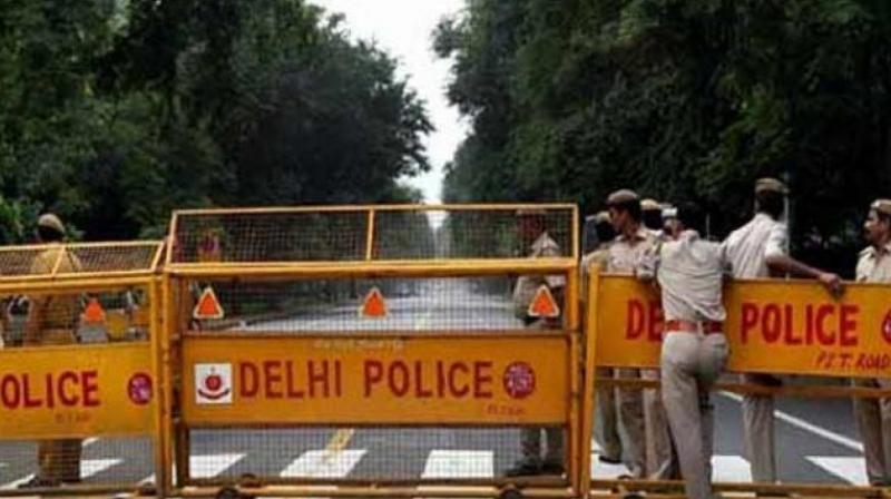 Speeding car mows down Delhi Police constable