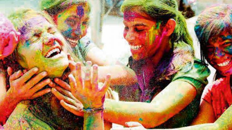 Experts also suggest protecting the eyes while playing Holi. (Representational Image)