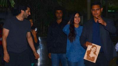 Aditya Roy Kapur and Katrina Kaif were photographed at the Mumbai airport on Tuesday, returning from their 'Fitoor' promotions in Ahemdabad. Photo: Viral Bhayani