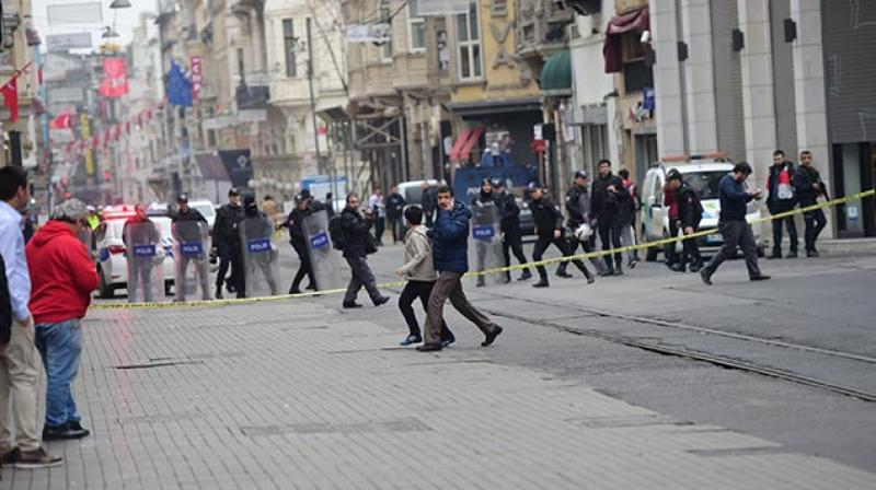 Istanbul Bombing Kills at Least 4 and Wounds Dozens