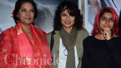Shabana was reunited with her estranged daughter-in-law Adhuna, at the special screening of Sonam Kapoor's 'Neerja'. Photo: Viral Bhayani