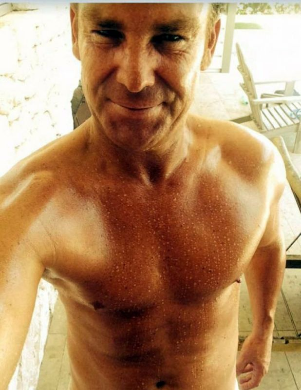 Check out those Abs! The 46 year old posted this selfie to his dating app. (Photo: Happn)