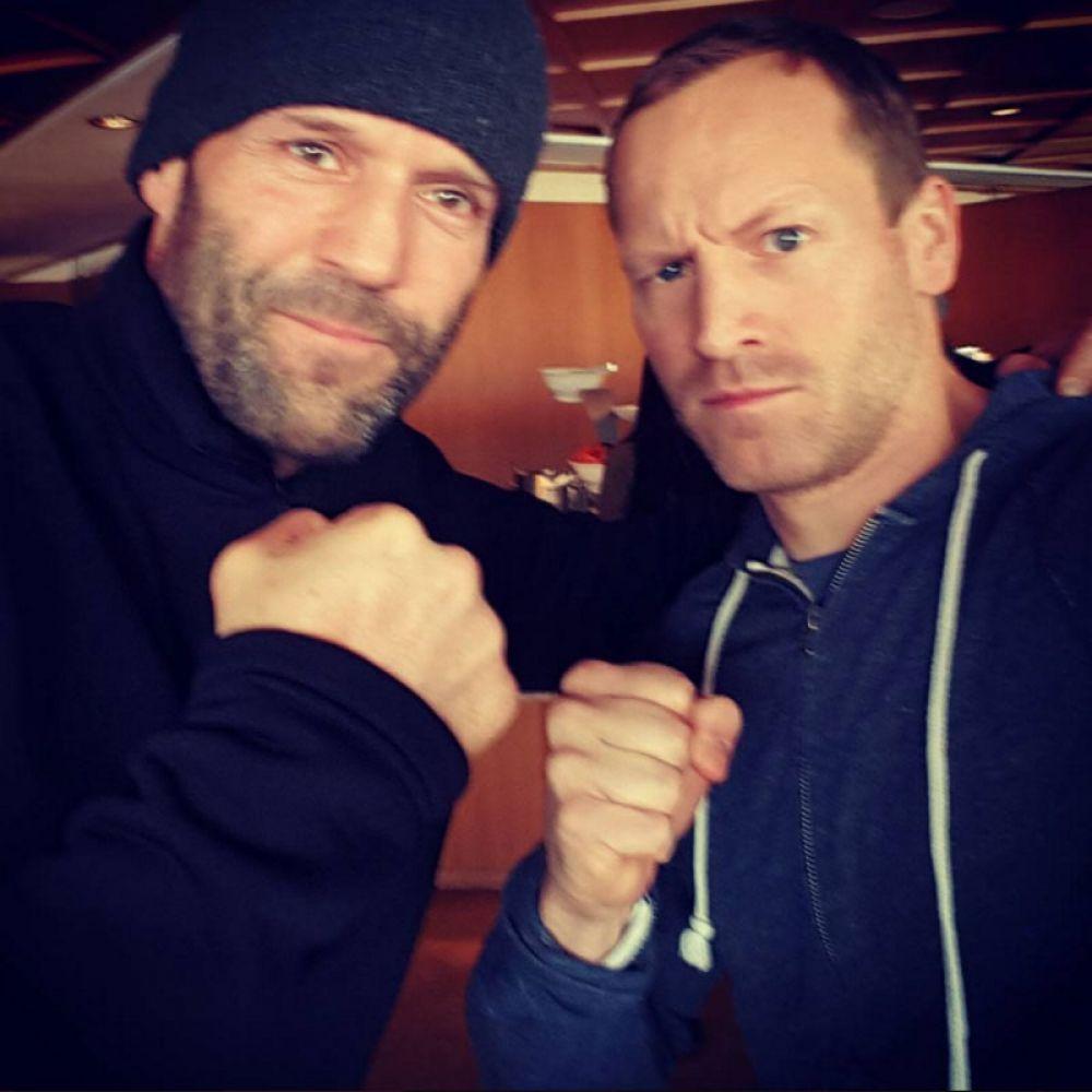 Jason Statham poses with 'Shivaay' stunt man Markus Ertel.