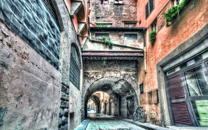 A quaint bylane in Florence
