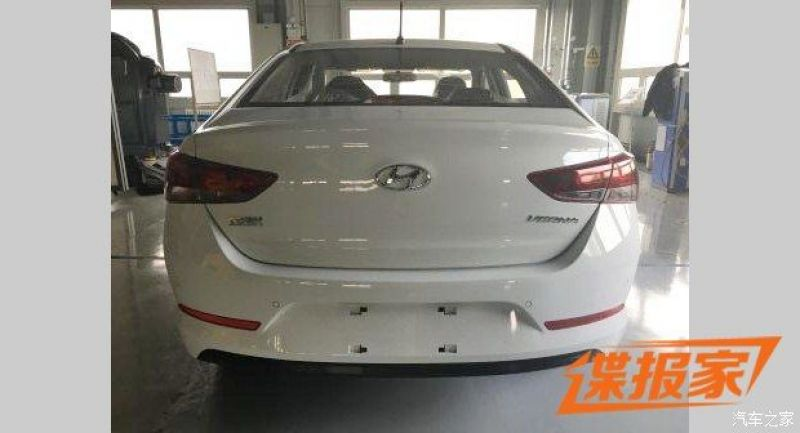 The First Sedan To Adopt Hyundais Fluidic Sculpture 20 Design Language Was New Sonata However Most Striking One Is Elantra