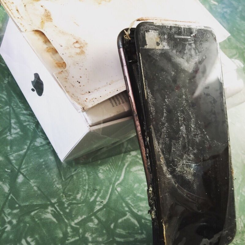 Apple user says iPhone 7 exploded before he received it.