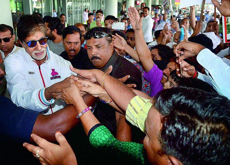 Actor Amitabh Bachchan in Kolkata. (Photo: PTI)