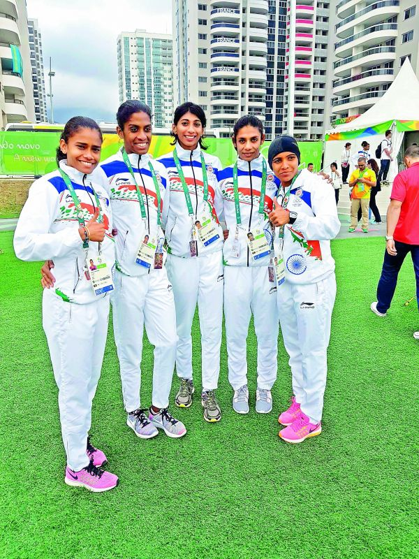 Ashwini with the 4x400 m relay team.