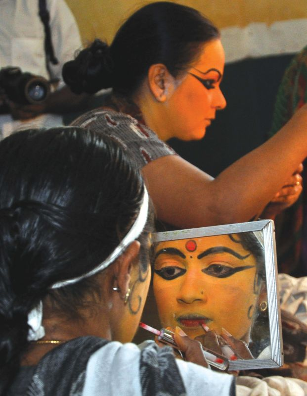 Artistes getting ready for the performance