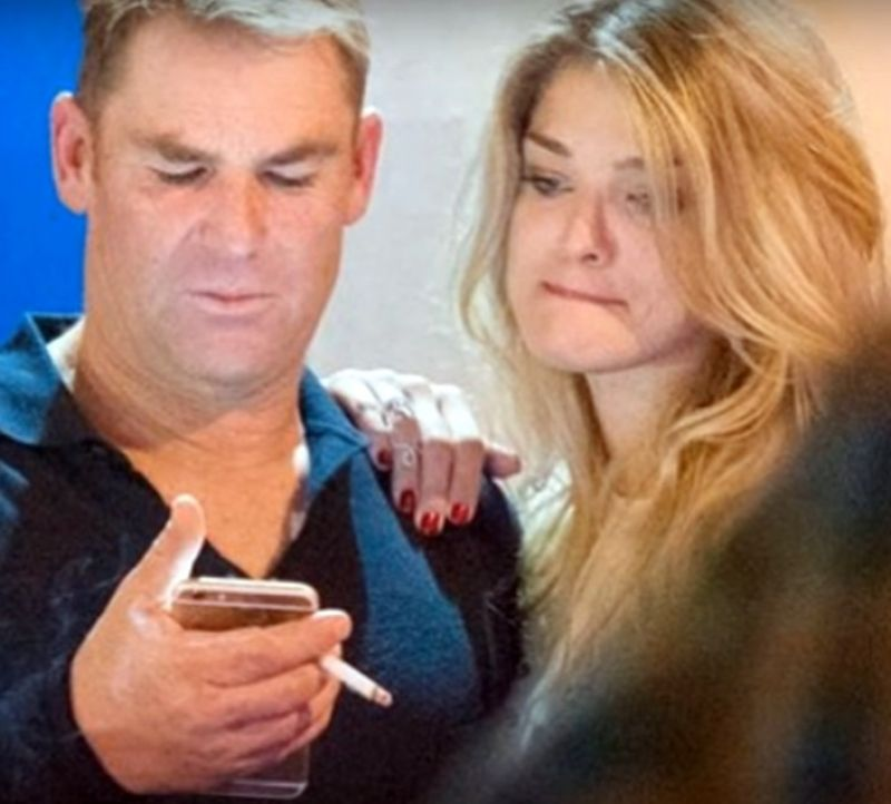 Shane Warne had a nice time with the blonde. (Photo: Screengrab)