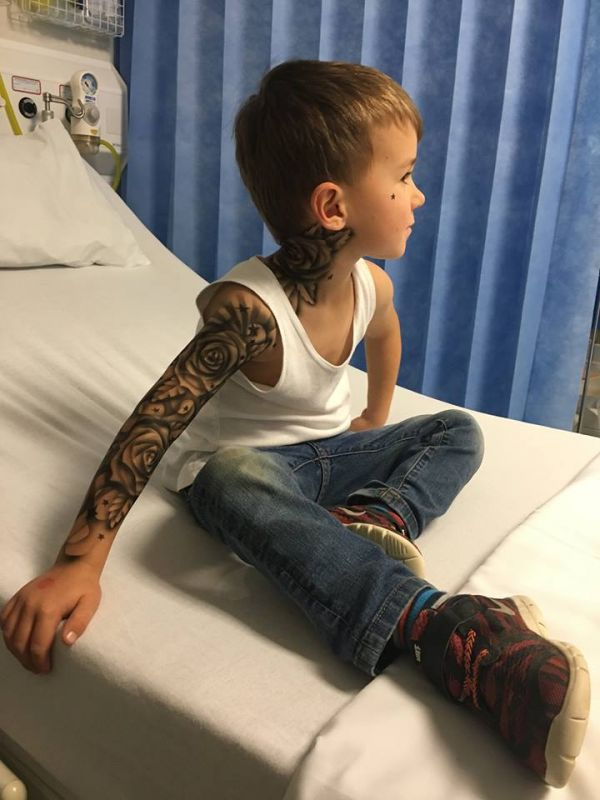 40e0fe218 Artist brings smiles to the faces of sick kids with airbrushed tattoos
